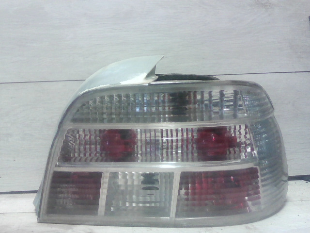BMW E39 95-03 Jobb hátsó lámpa bontott alkatrész
