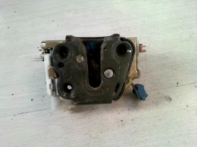 ALMERA 96-98 Bontott Jobb első ajtózár mechanikus Alkatrész