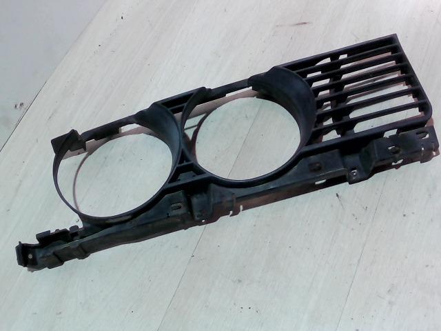 BMW E34 87-96 Jobb fényszóró műanyagkeret bontott alkatrész