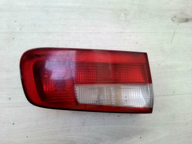 RENAULT LAGUNA 00-05 Bal hátsó belső lámpa bontott alkatrész