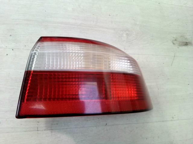 RENAULT LAGUNA 00-05 Jobb hátsó lámpa bontott alkatrész