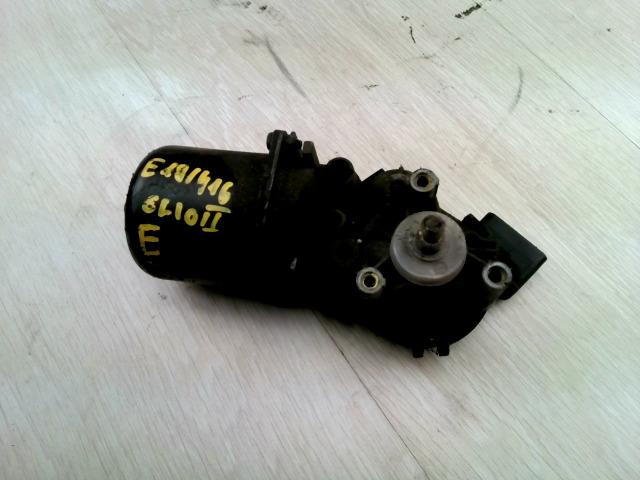 CLIO 01-06 Bontott Ablaktörlő motor első Alkatrész