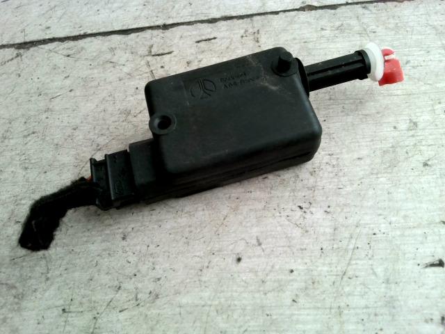 RENAULT TWINGO 93-98 Csomagtérajtó központizár motor bontott alkatrész