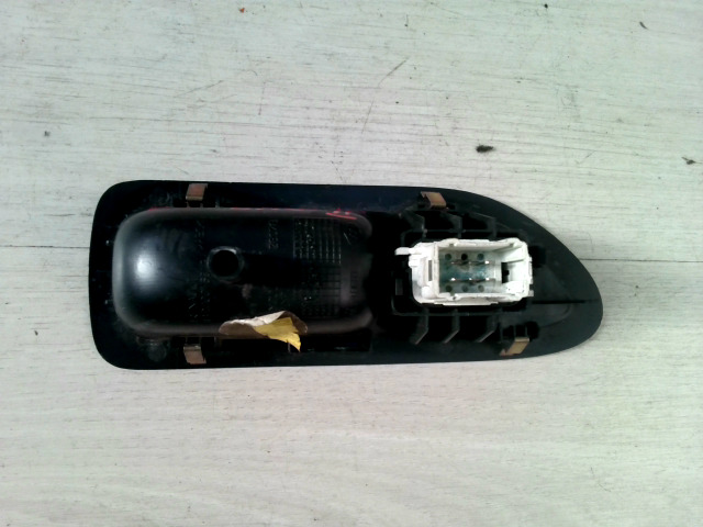 LAGUNA 00-05 Bontott Bal hátsó ablakemelő kapcsoló Alkatrész