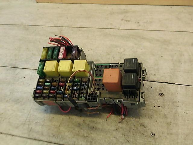 OPEL CORSA C COMBO 00.09-11.09 Biztositéktábla motortéri bontott alkatrész