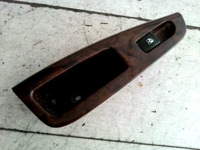 DAEWOO NUBIRA 99-03 Jobb hátsó ablakemelő kapcsoló ajtóbehúzóval bontott alkatrész