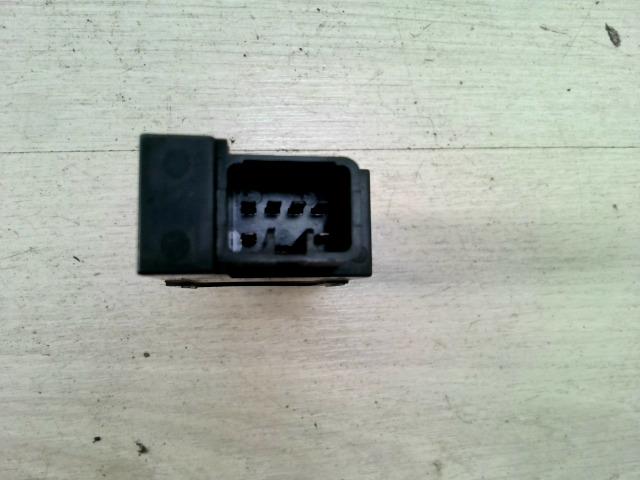 CARINA E 92.04-97.07 Bontott Ablakfűtés kapcsoló Alkatrész