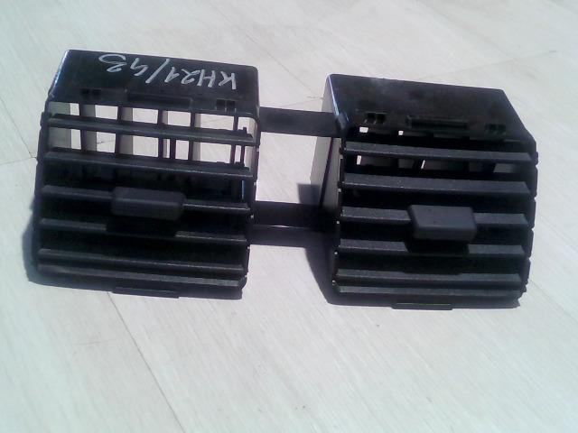 SUZUKI SX4 Középső szellőző bontott alkatrész
