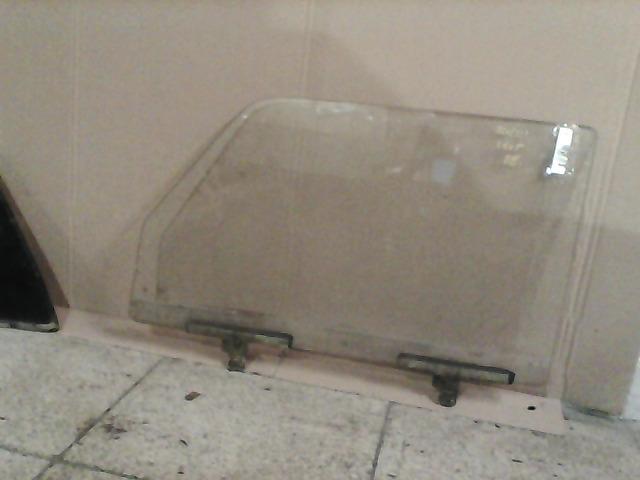 LADA 2105 Bal első lejáró üveg bontott alkatrész