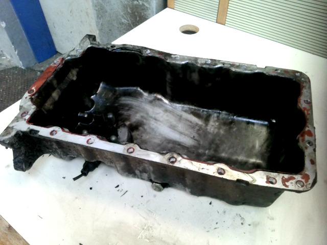 VW GOLF IV. Olajteknő alumínium szintérzékelős bontott alkatrész