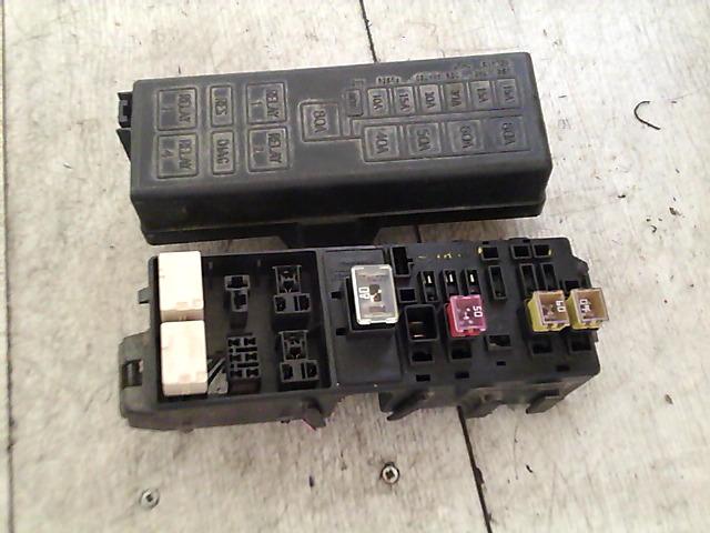 SUZUKI ALTO 02-09 Biztositéktábla motortéri bontott alkatrész