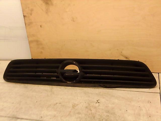 OPEL ASTRA G 97-04 Hűtődíszrács embléma nélkül bontott alkatrész