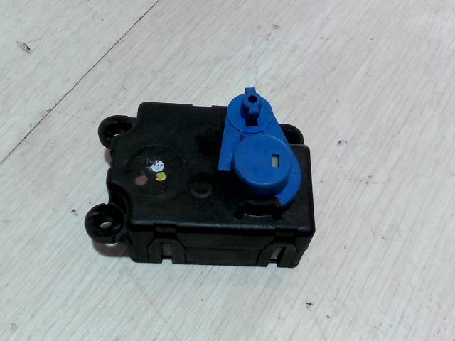 OPEL VECTRA C 01-05 Fűtésállító zsalumozgató motor bontott alkatrész