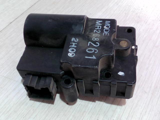 VOLVO V40 Fűtésállító zsalumozgató motor bontott alkatrész