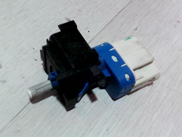 FORD FOCUS 04- Kuplung pedál kapcsoló bontott alkatrész
