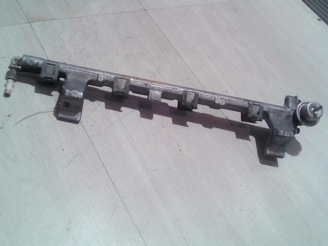 MAZDA 2 03.04-07.11 Injektor befecskendező híd  bontott alkatrész