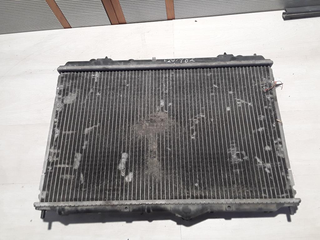 VOLVO V40 Vízhűtő. bontott alkatrész