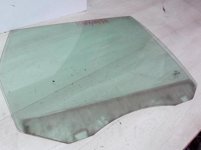 FORD FOCUS 04- Jobb hátsó ajtóüveg bontott alkatrész