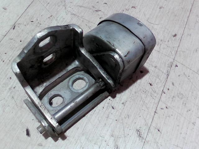 RENAULT SCENIC 03-06 Bal hátsó alsó ajtózsanér bontott alkatrész