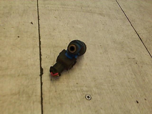 VOLVO V40 Injektor befecskendező hengerenkénti bontott alkatrész