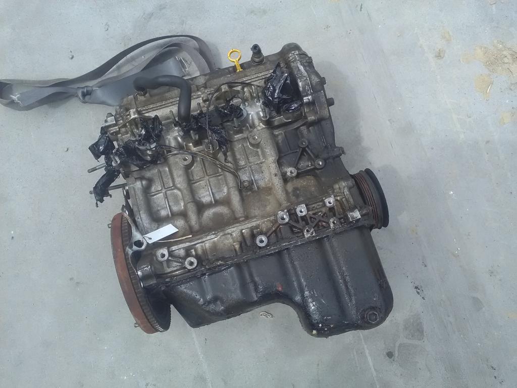 SUZUKI WAGON R Motor. benzin fűzött blokk hengerfejjel bontott alkatrész