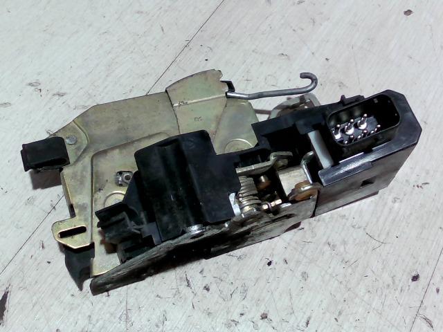 BMW E36 89-00 Jobb első ajtó zárszerkezet központizáras bontott alkatrész