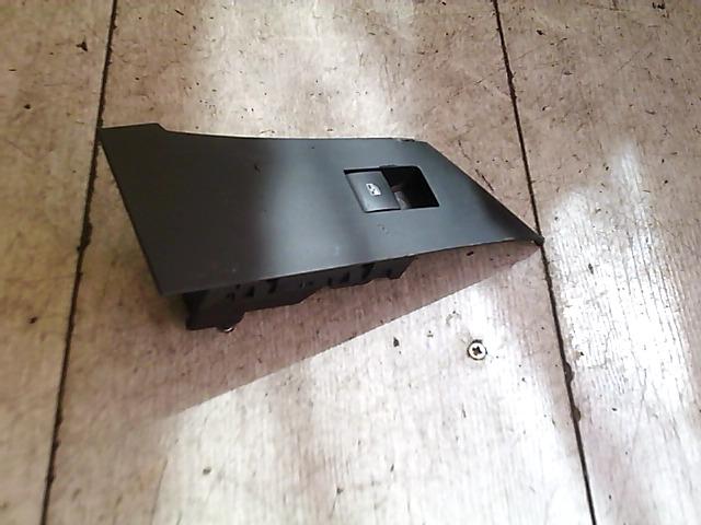 OPEL Astra J/2 2012.09 - Jobb első ablakemelő kapcsoló bontott alkatrész