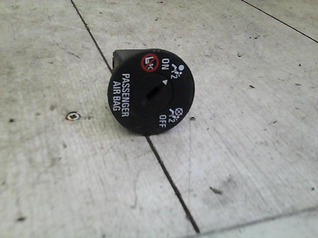 OPEL Astra J/2 2012.09 - Légzsák kapcsoló bontott alkatrész