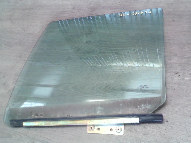 RENAULT CLIO 90-96 Bal hátsó ajtóüveg bontott alkatrész