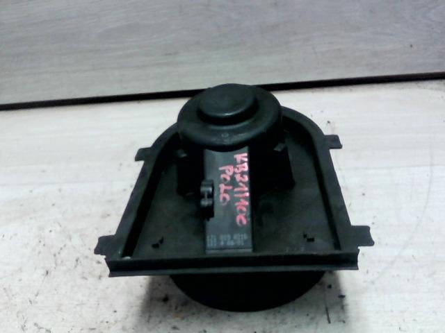 POLO CLASSIC 99.10-01.09 Bontott Fűtőmotor nem klímás Alkatrész