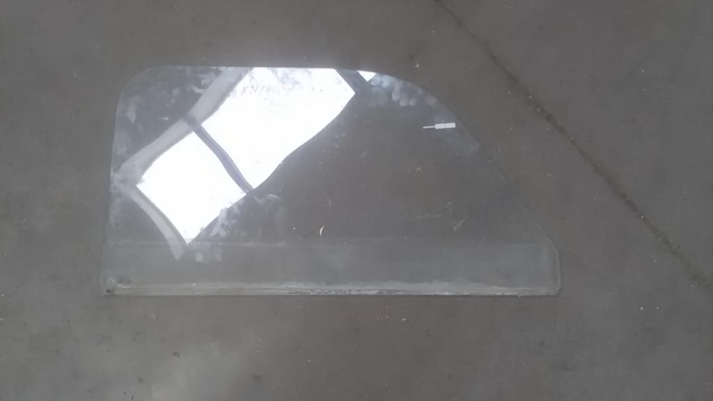 TRABANT 1,1 Bal első ajtóüveg bontott alkatrész
