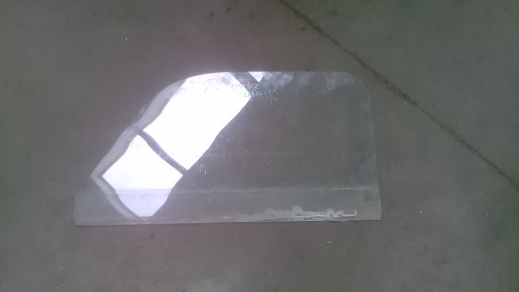 TRABANT 1,1 Jobb első ajtóüveg bontott alkatrész