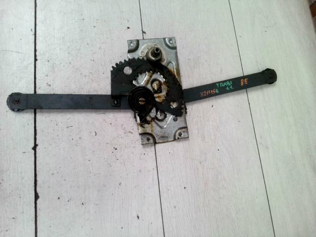 TRABANT 1,1 Bal első ablakemelő szerkezet mechanikus bontott alkatrész