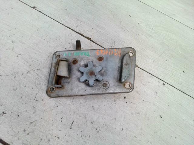 TRABANT 1,1 Jobb első ajtó zárszerkezet mechanikus bontott alkatrész