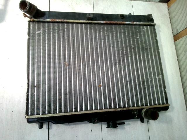 MAZDA 121 90.12.01-96.02.28 Vízhűtő. radiátor bontott alkatrész
