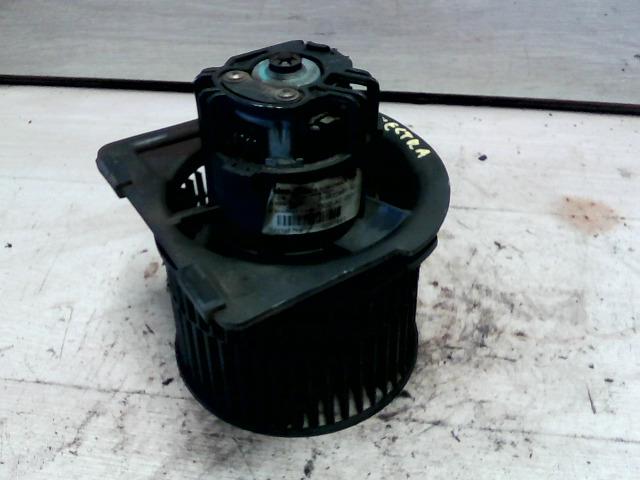 OPEL VECTRA B 99-01 Fűtőmotor klímás bontott alkatrész