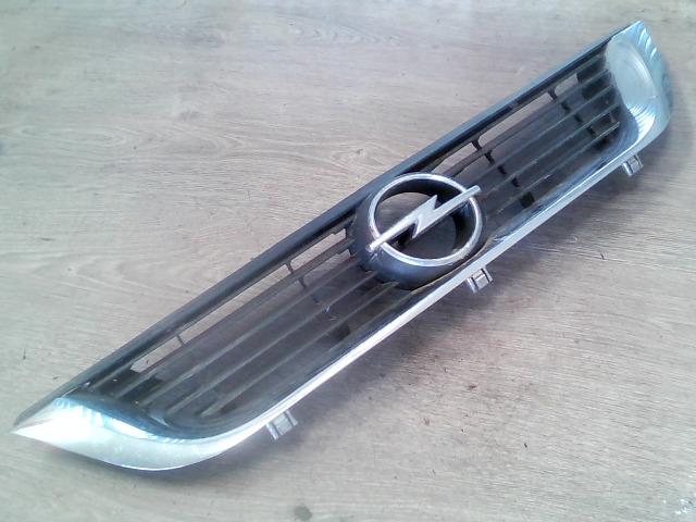 OPEL VECTRA B 99-01 Hűtőrács díszrács bontott alkatrész