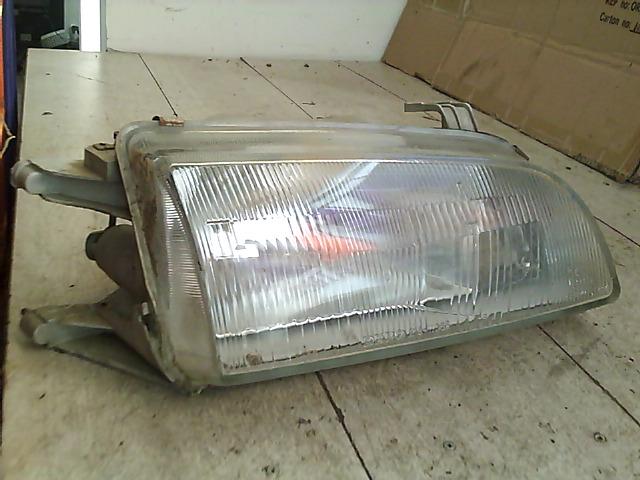 SUZUKI SWIFT 89-96 Jobb első fényszóró bontott alkatrész