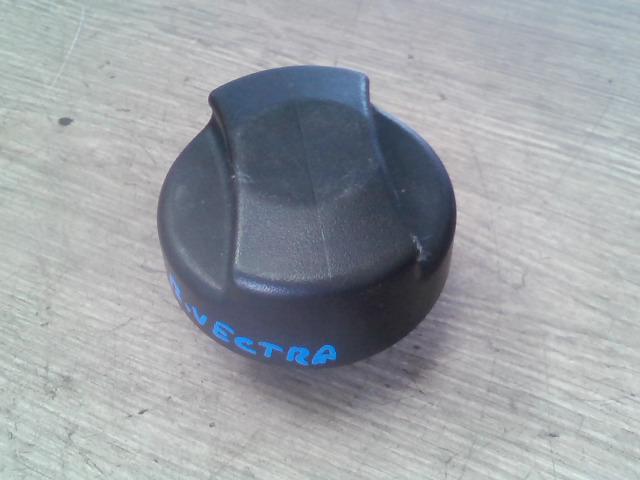 VECTRA B 99-01 Bontott Tanksapka Alkatrész