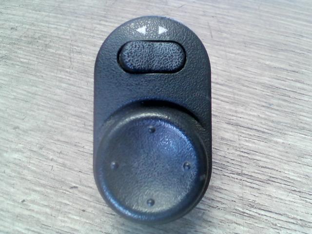 OPEL VECTRA B 99-01 Elektromos tükör állító kapcsoló bontott alkatrész