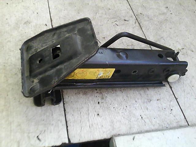 FORD ESCORT 95- Autóemelő bontott alkatrész
