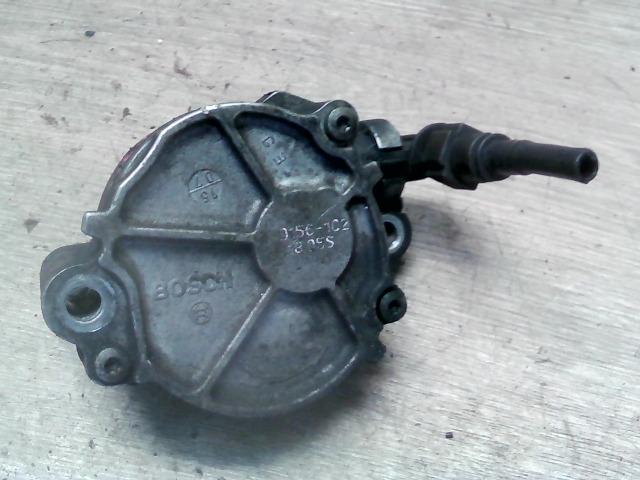 FORD FOCUS 04- Vákuumpumpa bontott alkatrész