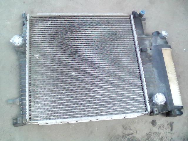BMW E36 89-00 Vízhűtő. radiátor bontott alkatrész