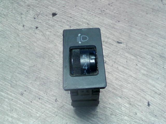 TOYOTA COROLLA 97.05-99.09 Fényszórómagasság állító kapcsoló bontott alkatrész