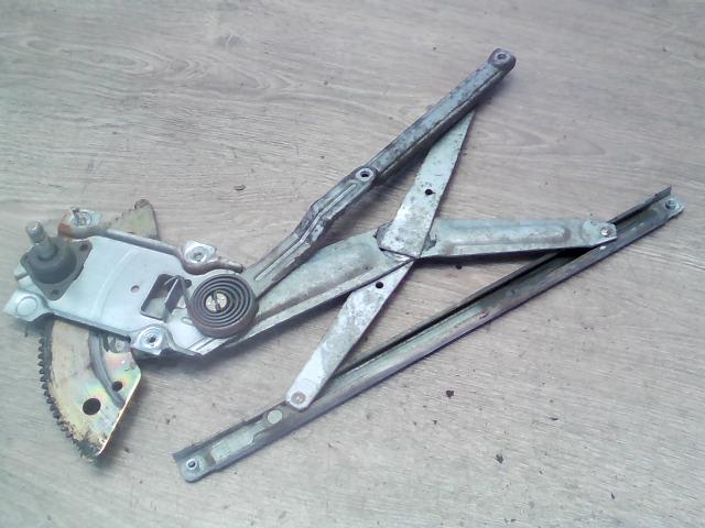 TOYOTA COROLLA 97.05-99.09 Bal első ablakemelő szerkezet mechanikus bontott alkatrész