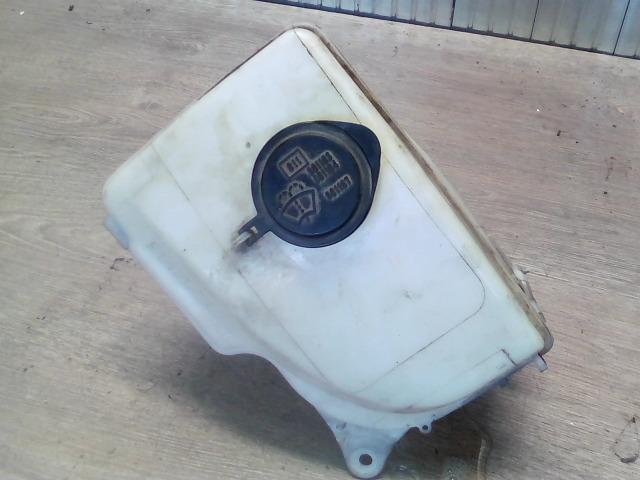 TOYOTA COROLLA 97.05-99.09 Ablakmosó tartály 1 motoros bontott alkatrész